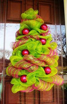 Christmas Tree Deco Mesh Wreath, Deco Mesh Christmas Tree, 2014 Deco Mesh Christmas Tree Decoration - Christmas deco mesh wreaths ideas that you should learn by hooraayforpeepee