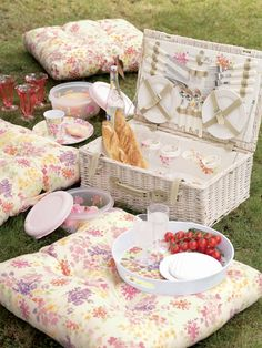 http://flowerona.com/wp-content/uploads/2012/01/Darling-Buds-Picnic-Lifestyle-Laura-Ashley.jpg