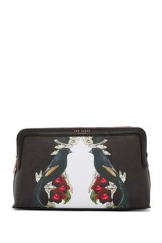 Shop a range of wash bags and make up bags from Ted Baker 6dd98bcdb80b4