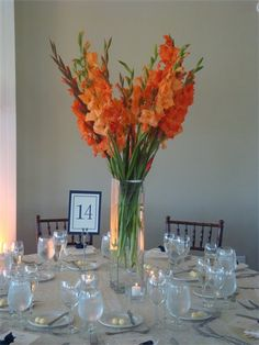 gladiola - Love the flowers and the centerpiece set up