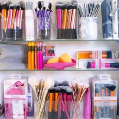 Real techniques make up brush storage