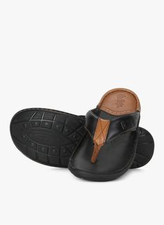 Leather Slippers For Men, Black Slippers, Buy Shoes, Nike Shoes, Best Online Fashion Stores, Fashion Slippers, Flip Flop Shoes, Shoe Brands, Footwear