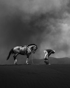 """""""Praying"""" perfect photo shot at Mount Bromo & East Java, Indonesia. Photo by The post """"Praying"""" perfect photo shot at Mount Br& appeared first on . Islamic Images, Islamic Pictures, Islamic Art, Canon Photography, Wildlife Photography, Amazing Photography, Photography Ideas, World Travel Guide, Islamic Wallpaper"""