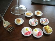Tiny food served on doll plates. eggs are white candy melts with a mini M pressed in. Little donuts are Cheerios, some dusted with powdered sugar, some dipped in candy melts with sprinkles. -So fun! French Toast Crunch, Cinnamon Gum, Acai Berry Diet, Pillsbury Dough, Crunch Cereal, Wafer Cookies, Doll Food, Tiny Food, Best Food Ever
