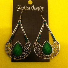 Fashion green silver tone beautiful earrings Silver tone green fashion earrings fashion Jewelry Earrings