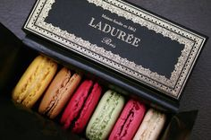 Ladurée macaroons: legendary, starting from the beautiful box