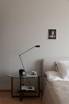 Beige-toned bedroom with black accents Nordic Design, Scandinavian Design, Pella Hedeby, Deco Addict, Minimal Home, Neutral Tones, New Builds, Luxurious Bedrooms, Ikea Hack