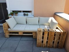 Outdoor Sectional, Sectional Sofa, Outdoor Furniture, Outdoor Decor, Home Decor, Diy Pallet Furniture, Furniture From Pallets, Homemade Home Decor, Modular Sofa