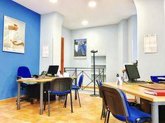 Gli interni dell'agenzia ScegliCasa in via Merulana