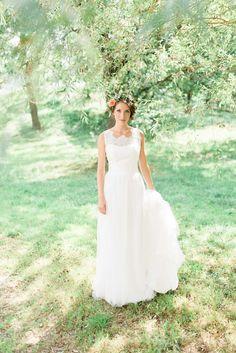 Dreamy vintage barn wedding   Vintage wedding Bride   Flower crown bride   Leonie Cappello Photography Event Design Blue & Ivory
