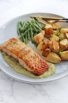 Food N, Good Food, Yummy Food, Chinese Chicken Recipes, Eating Alone, Fish And Seafood, High Tea, Chinese Food, Summer Recipes