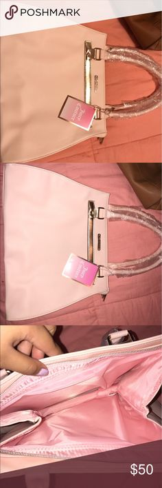 Juicy couture Tote New with tag. Best offer! Juicy Couture Bags Shoulder Bags