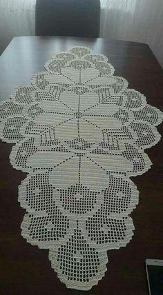 Doilies Crochet Table Runner Blue Carpet Crochet Blocks Crafts With Bottles Napkins Table Toppers Place Mats Filet Crochet Charts, Crochet Doily Patterns, Crochet Art, Crochet Designs, Crochet Doilies, Hand Crochet, Crochet Stitches, Crochet Table Runner Pattern, Crochet Tablecloth