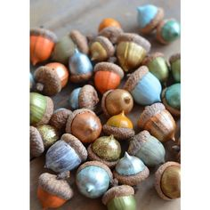 DIY Decor Ideas Paint Acorns for Fall Tablescapes ❤ liked on Polyvore featuring backgrounds