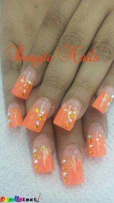 Uñas naranjas