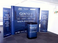 Our standard pop-ups come curved, straight and L shaped however we can make bespoke shapes and configurations. Sizes vary from desktop to giant backdrops. Pop-up displays create eye-catching stunning backdrops. Display Mockup, Pop Up Banner, Banner Ideas, Hanging Banner, Show Booth, Banner Stands, Information Design, Exhibition Booth, Banner Printing