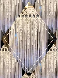 The beautiful stylings of Macrame Elegance Interior Decorating, Decorating Ideas, Craft Ideas, Decor Ideas, Interior Design, Hippie Style, Bohemian Style, Macrame Curtain, Macrame Patterns