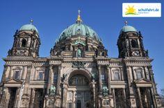 Der Berliner Dom ist nicht nur imposant anzuschauen, sondern auch das höchste Gebäude auf der Berliner Museumsinsel. www.schulfahrt.de #Schulfahrt #Berlin #Dom