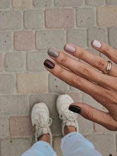 Nagelideen: Ovale Nägel Design Shaperoval Form zum Verkauf Quadratische Designs…, You can collect images you discovered organize them, add your own ideas to your collections and share with other people. Autumn Nails, Winter Nails, Summer Nails, Spring Nails, Fall Gel Nails, Fall Manicure, Minimalist Nails, Minimalist Fashion, Cute Nails