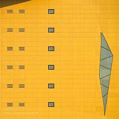 for more wallpapers http://ift.tt/1WArfgQ and http://ift.tt/1WGbQM8 abstractarchitecturalarchitecturebuildingcityconceptualcontemporaryexpo2015facadegeometrygoldgoldenitaliaitalylombardymilanmilanominimalminimalismminimalistmodernpalacerhostructuretravelurbanwindowsyellow