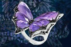 Prsten * motýl * ametyst, vsazený do bílého zlata a zdobený diamanty
