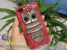 owl iPhone case.    I so want one of these.