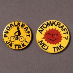 """""""Soltegnet"""" med sloganet """"ATOMKRAFT? NEJ TAK"""". Tegnet blev første gang lavet i 1975."""