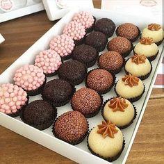 Mini Cupcakes, Doughnut, Muffin, Chocolate, Breakfast, Party, Desserts, Food, Instagram
