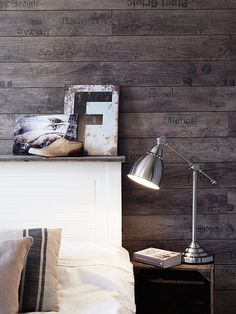 Stylish and cozy small apartment in Bagaregården.... I love the idea of a wooden backsplash!