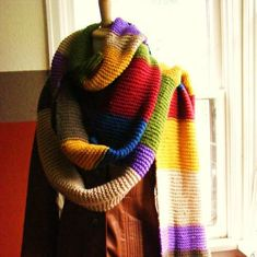 My very, very long (20 ft.) scarf - Docor Who Scarf by allyinthevalley on Craftster
