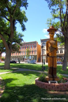 The Good Luck Duck: Las Vegas, New Mexico on the cheap