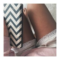 #nude #pink #legs #morning #beautiful #note #love