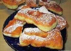 Moje pyszne, łatwe i sprawdzone przepisy :-) : Taratuszki-pulchne faworki na kefirze, szybkie, pyszne idealne na tłusty czwartek Dessert Drinks, Dessert For Dinner, Dessert Recipes, Sweets Cake, Cookie Desserts, Breakfast Pastries, Polish Recipes, Beignets, Coffee Cake