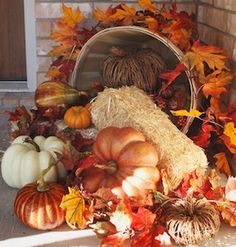 Get your home ready for autumn with these cheap and easy outdoor DIY fall decorations. From fall porch decorating ideas to fall yard decor, there are plenty of DIY outdoor fall decor ideas on a budget to choose from. Fall Yard Decor, Fall Home Decor, Fall Decorations, Halloween Decorations, Holiday Decor, Diy Fall Wreath, Halloween Porch, Easy Halloween, Thanksgiving