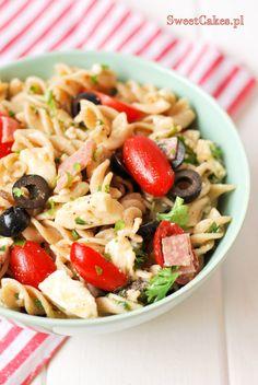 Włoska sałatka z makaronem Italian salad Penne, Pasta Salad, Ethnic Recipes, Food, Crab Pasta Salad, Essen, Meals, Yemek, Pens