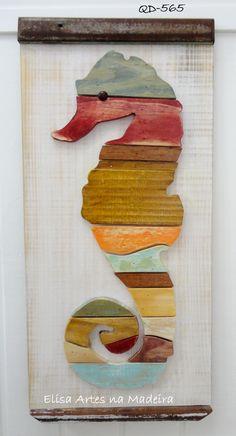 Quadro em madeira com cavalo marinho feito em mosaico de madeira. Detalhesm em madeira demolição. elisaartesnamadeira@gmail.com (Brasil) (055) 41-9940-4194