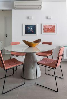 Apartamento ganha aconchego e jovialidade graças à mistura de materiais  #Apartamento #décor #Decoração #Projeto #SãoPaulo