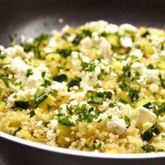Cukkinis fetás kuszkusz recept Ayurveda, Vegetable Recipes, Vegetarian Recipes, Healthy Recipes, Light Recipes, Clean Recipes, Healthy Cooking, Cooking Recipes, Low Calorie Recipes