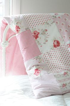 Beautiful quilt by Tanya Whelan ~❥