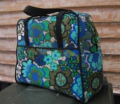 The mother Theresa of sewing for others has to be the Amy Butler Weekender bag. There is rather a lot of sewing in it, more if you count h. Amy Butler, Weekender Tote, Vera Bradley Backpack, Purses And Bags, Backpacks, Sewing, Inspiration, Purses, Totes