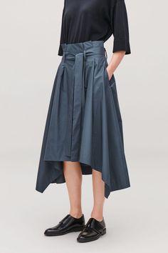 HANDKERCHIEF-HEM POPLIN SKIRT - Steel blue - Skirts - COS Skirt Belt, Skirt Pants, Midi Skirt, Small Wardrobe, Lifestyle Clothing, White Shirts, Poplin, Hemline, High Waisted Skirt
