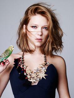 Lea Seydoux choppy haircut  mid-length choppy bob. chopping tips to boost texture