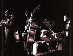 Miles Davis with Ron Carter on bass and Tony Williams on drums Jazz Artists, Jazz Musicians, Louis Armstrong, Tony Williams Drummer, Miles Davis Quintet, Eric Dolphy, Blue Note Jazz, Melody Gardot, Ron Carter