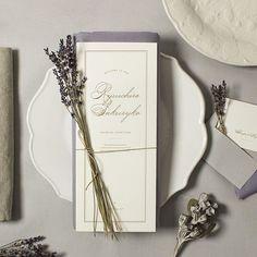 席次表手作りの新しいカタチ「favori クラウド」 ヴィーナス席次表・席札・メニュー表 Invitation Design, Invitations, Wedding Bouquets, Reception, Paper, Frame, Cards, Napkin, Decoration