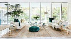 Decoração. Living room. Sala de estar. Azul petróleo. Gold.