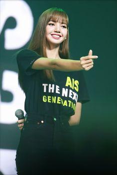 K Pop, South Korean Girls, Korean Girl Groups, Bambam Lisa, Fandom, Jennie, Blackpink Lisa, Swag Style, Kpop Aesthetic