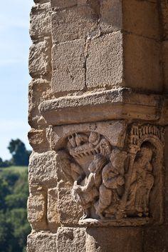 Église Saint Laurent d'Auzon (Dennis Aubrey) Romanesque Art, Saint Laurent, Medieval, Saints, Photos, Mountains, Wall Art, Architecture, Beautiful