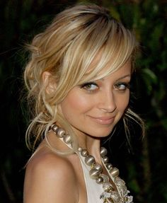 Nicole Richie Blonde Hair Color With Simple Updos Style , This Style Is Using Braid For The Back And The Middle Is Using Highlight Color : Black And Blonde Hair Both Are Really Pretty Here Some Inspiration Of Both Hair - See and learn how to style 2015 most popular hairstyles
