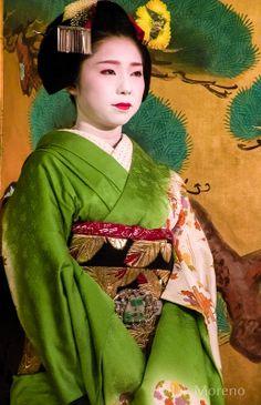 maiko (now geiko) fukuhiro   japanese culture #kimono