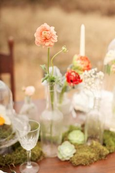 Simple and sweet centerpiece.   Photography: Brandy Smyth Photography - brandismythphotography.com/